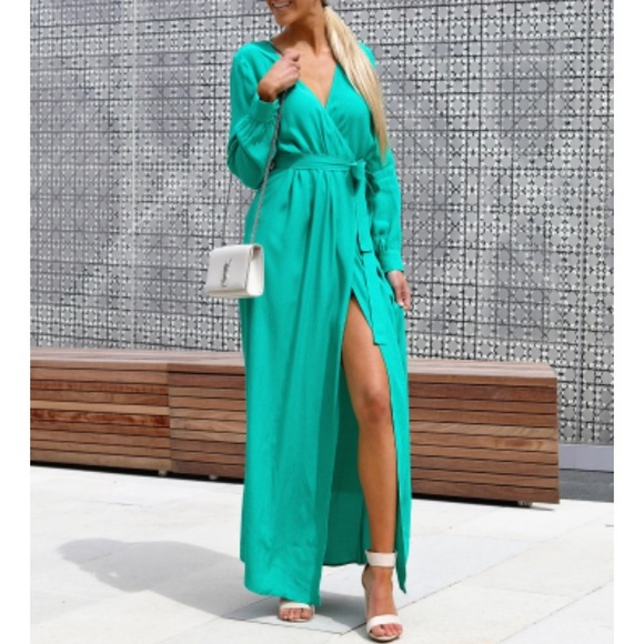 3002985682f LONG SLEEVE SOLID BARDOT WRAP MAXI DRESS. M 5b14147ef63eea4886a4f0f4